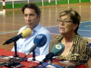Ruperto Gallardo y Rosa Espada, gerente y presidenta del CB Conquero.
