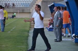 Sergi Barjuan, técnico del Recreativo, en Algeciras.