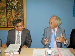 El rector y el presidente del Consejo Social de la UHU.