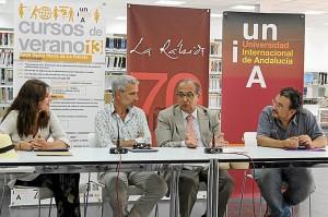 Rueda de prensa en la que el rector ha estado con Imanol Arias, Ana Fernández y Cuadri.
