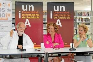 Jean Pierre Klein, en presencia de la directora de la sede y de la directora del curso de Arteterapia.