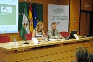 Díaz y Fiscal en la presentación de la Jornada de Transparencia.