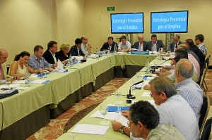 Imagen de la reunión de este lunes de la Mesa por el empleo.