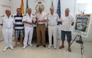 Miembros de la Comandancia Naval y el club Marítimo.
