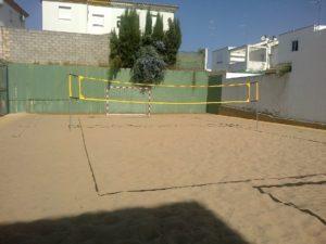 Zona de actividades deportivas de playa en Trigueros.