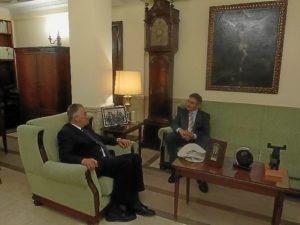 Visita del rector al subdelegado del Gobierno.