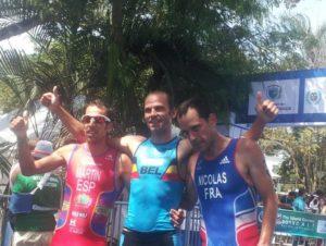 Emilio Martín, a la izquierda, subcampeón del mundo de duatlon.