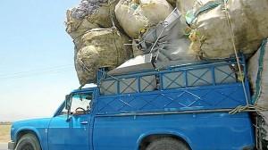 Un camión circula por las calles de Bandaar Abbas en el Golfo Pérsico. (Celia HK)