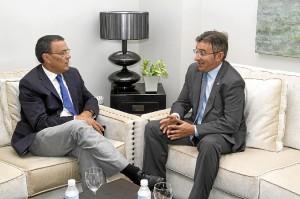 El presidente de la Diputación y el rector de la UHU.