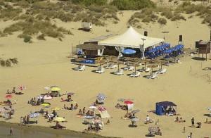 Chiringuito en playa de El Portil.