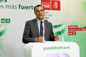 Ignacio Caraballo en rueda de prensa en la sede del PSOE.