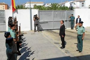 El secretario de Estado de Seguridad pasa revista a la Guardia Civil de Bollullos.