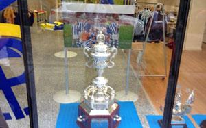 Trofeo Ciudad de Palma en la tienda del Recreativo.