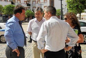 El alcalde conversa el director general de Ence.