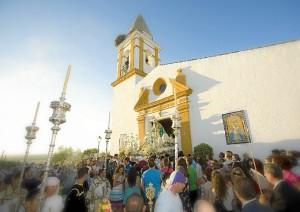 Salida procesional de la Virgen el pasado año.