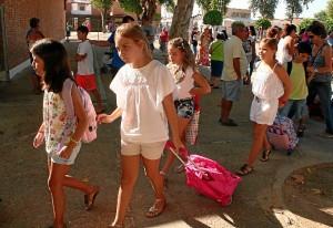 Vuelta al cole de alumnos en Cartaya.