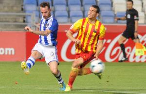 Fernando Vega presionando por Sandro. (Espínola)