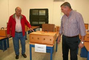 El alcalde (dcha. de la imagen) acudió al concurso.