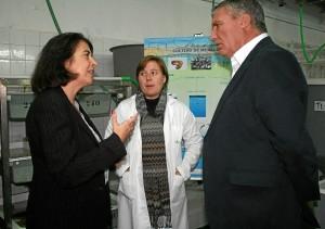 El alcalde de Cartaya, en la visita al IFAPA.