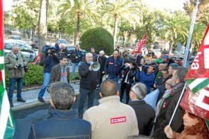 Carbonero en la concentración en el Puerto de Huelva.