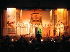 Representación de La Corte de Faraón.