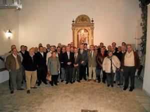 La nueva junta y otros participantes.