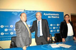 Firma del convenio con Apreja.
