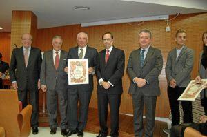 Foto de familia de los homenajeados por el Colegio de Farmacéticos de Huelva.