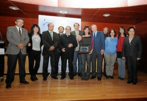 Foto de familia de la entrega de los premios Ángel Serradilla de periodismo. (Espínola)
