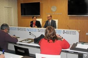 La presidenta y el director del Puerto de Huelva hacen balance.