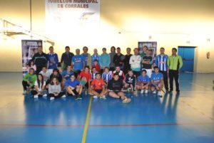 Torneo de convivencia de bádminton en Corrales.