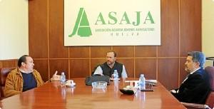 Reunión de Barrero con responsables de Asaja en Huelva.