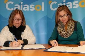Las representantes de Cajasol y de