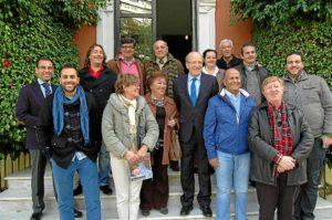 Foto de familia de los premiados por Huelva TV.