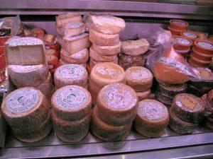 El queso artesano será el protagonista en Aracena este próximo fin de semana.