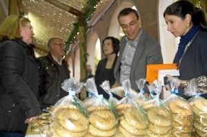 Inauguración de la muestra de dulces de navidad.