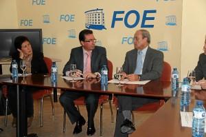Reunión de dirigentes del PP con la FOE, este martes.