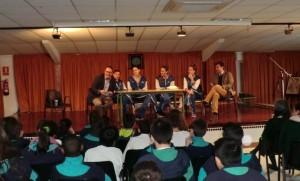 Jugadoras del CB Conquero en el Colegio Juan Luis Vives.
