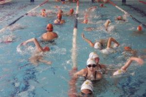 Jornada de natación en el Andrés Estrada.