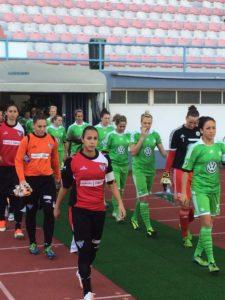 Partido amistoso entre el Wolfsburgo y el Fundación Cajasol San Juan.