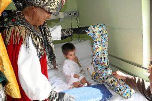 Visitas Reyes Magos asilos, hospitales (16)