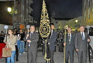 04_El concejal de Cultura, primero por la izquierda, en el Traslado de la Piedad y Santo Entierro
