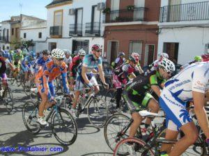 Carrera ciclista en Palos de La Frontera.