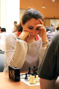 Amalia Aranaz, ajedrecista ganadora.