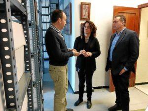La Palma del Condado visita archivo municipal- 546prensa