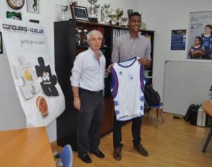 Sean Smith, nuevo jugador del CD Huelva Baloncesto.