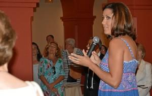 Lauura Rodriguez en la presentacion.