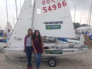 Marta Garrido y Marta Rodríguez, regatistas del Real Club Marítimo de Punta Umbría.
