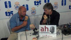 Imagen de archivo en la que Pablo Comas es entrevistado por Paco Morán.