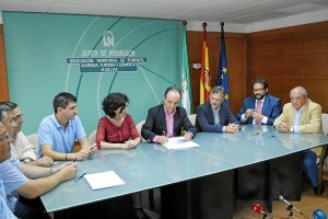 firma convenio turismo (2)